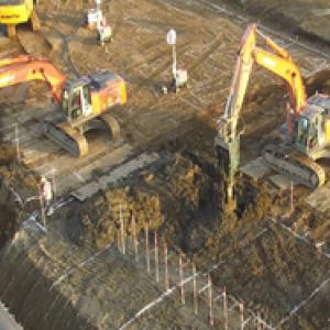 熊本震災に伴う緑川堤防復旧地盤改良工事