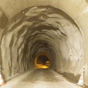 単県 道路工事(トンネル修繕)工事