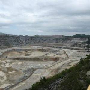 三菱東谷鉱山石灰石採掘工事