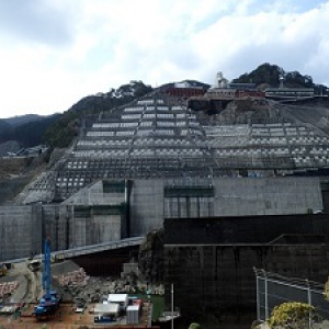 鶴田ダムの再開発に伴うアンカー工事